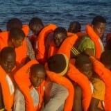 108319836migrantsNEWS-xlarge_trans_NvBQzQNjv4Bqeo_i_u9APj8RuoebjoAHt0k9u7HhRJvuo-ZLenGRumA